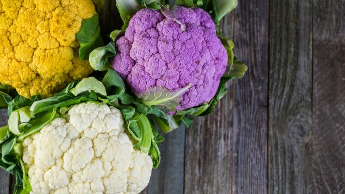 Choux-fleurs blanc violet jaune